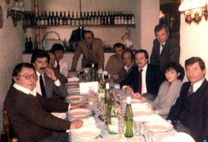 1985 - Pranzo di lavoro. Sullo sfondo il valente e indimenticato Dott. Schiaffini del settore amministrativo